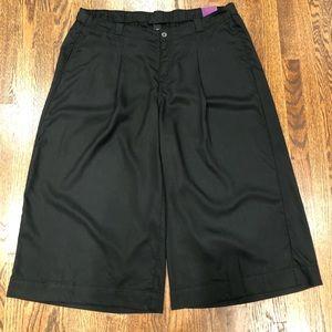 Lane Bryant NEW cropped black plus sz 18/20 pants